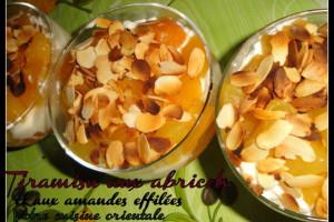 Tiramisu aux abricots et aux amandes effilées
